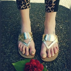 Super cool, RACHEL ROY, vegan, metallic sandals!!